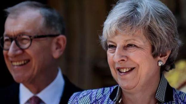 英国外交大臣亨特简历竟如此厚颜无耻!