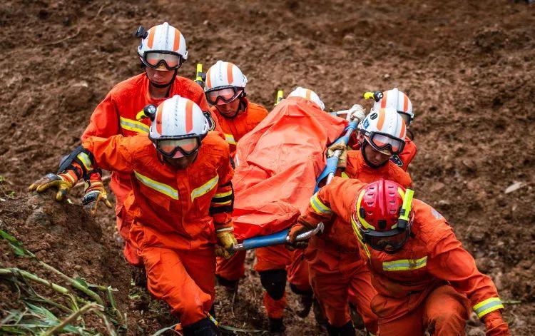 贵州水城山体滑坡最新视频击直灾难原因及死亡人数场景吓人