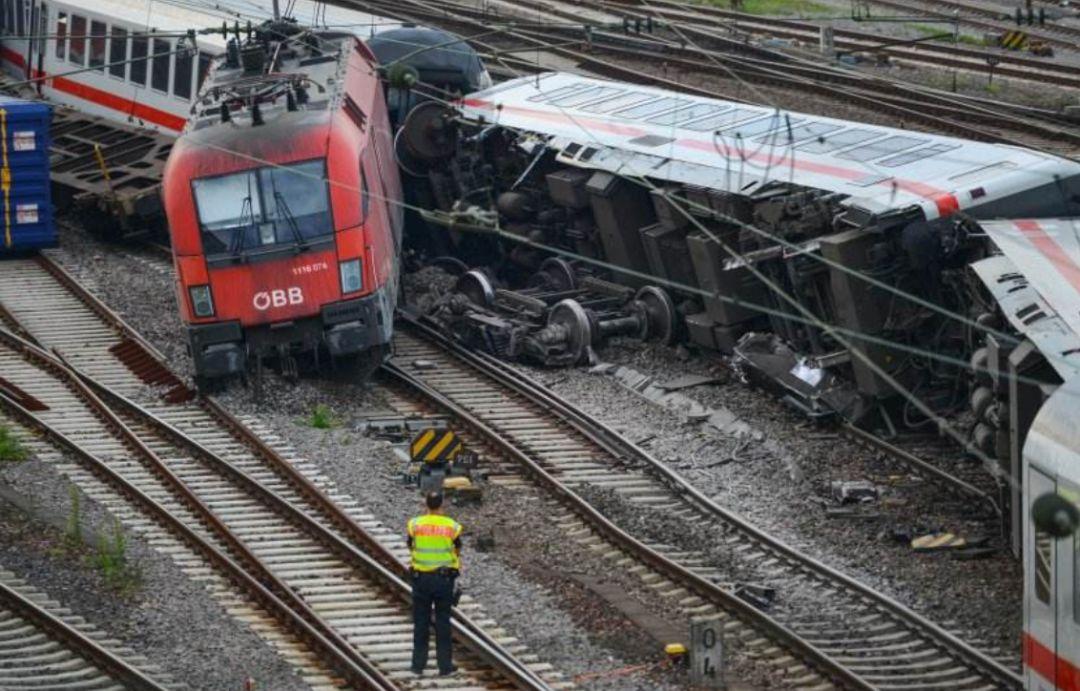 美国为什么没有高铁这个差点被墙的文章说得太TMD对!