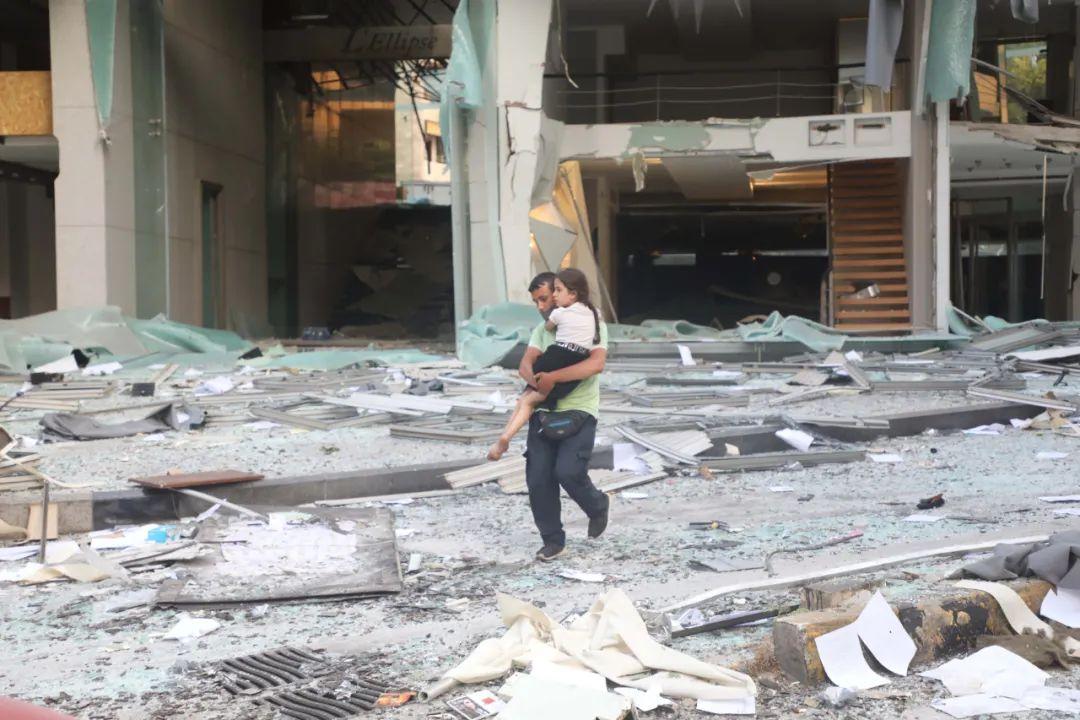 黎巴嫩总理证实2700吨硝酸铵爆炸致70余人死亡当地华人遭遇危殆时刻
