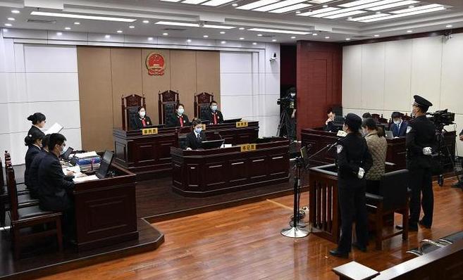 劳荣枝曾2次流产还遭强暴法庭上捂脸哭泣:你会原谅她吗!