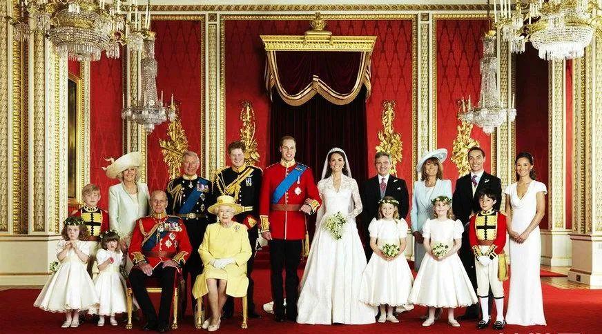 丈夫葬礼上94岁英女王车内抹泪:解锁菲利普亲王的红颜知己谜团!